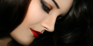 Learn to apply your base makeup like an expert